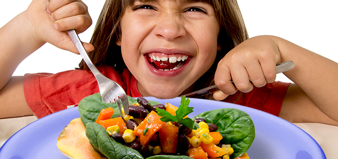 Black beans and papaya salad