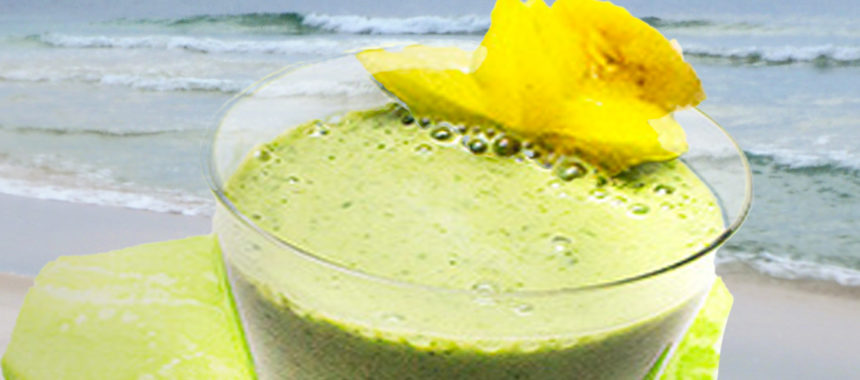 Creamy Starfruit-Kale Smoothie